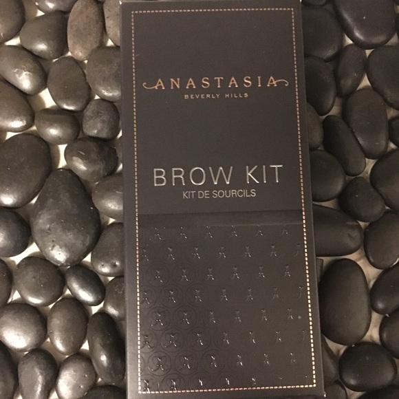 Anastasia Beverly Hills Other - New Anastasia BH Brow Kit